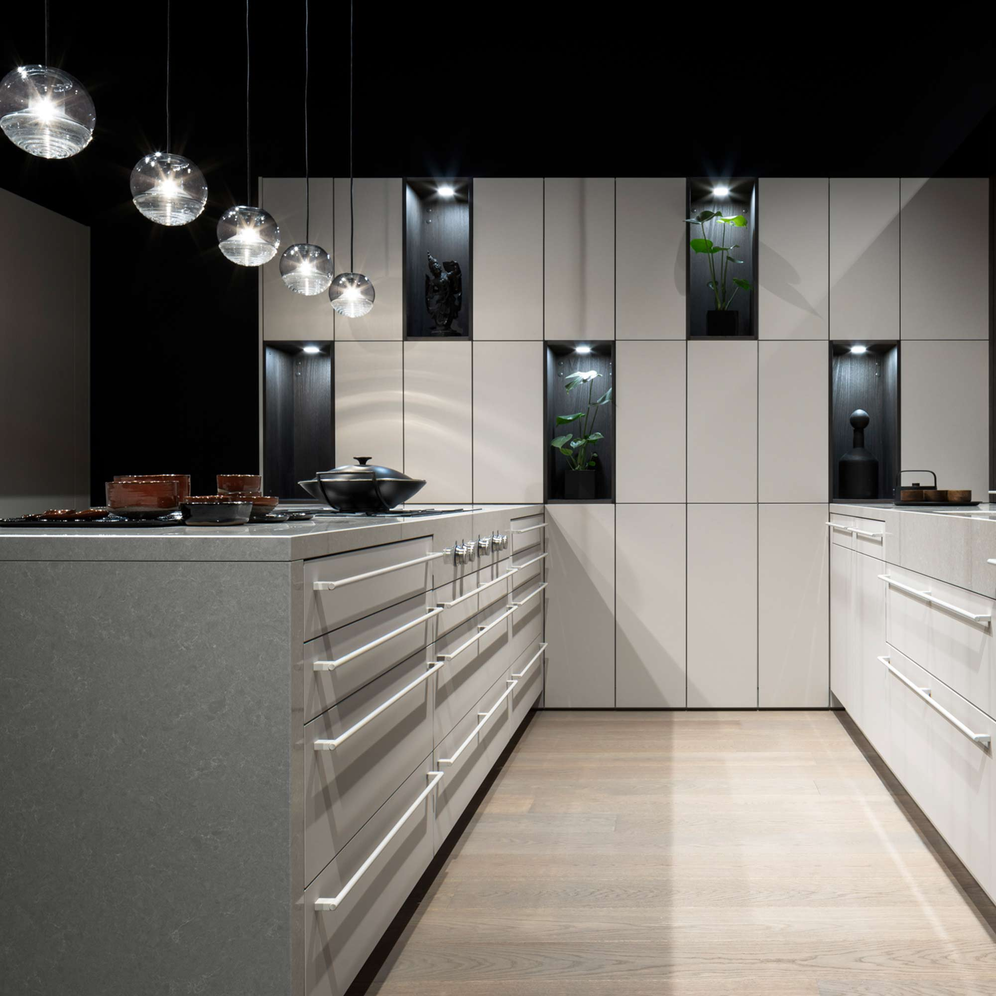 Space-saving kitchen design for modern homes by Hubble