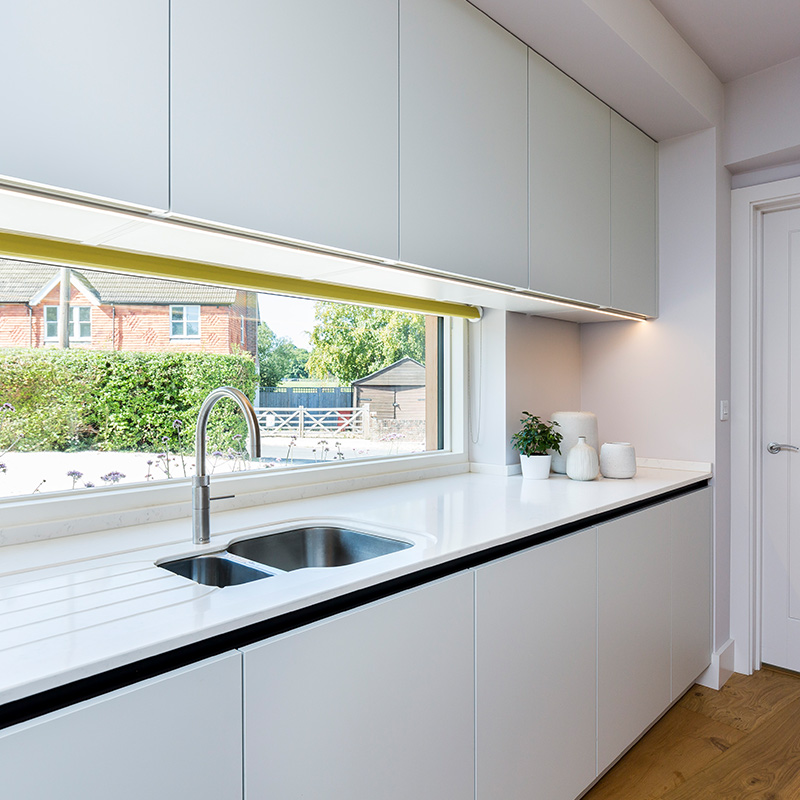Compact kitchen installation by Hubble