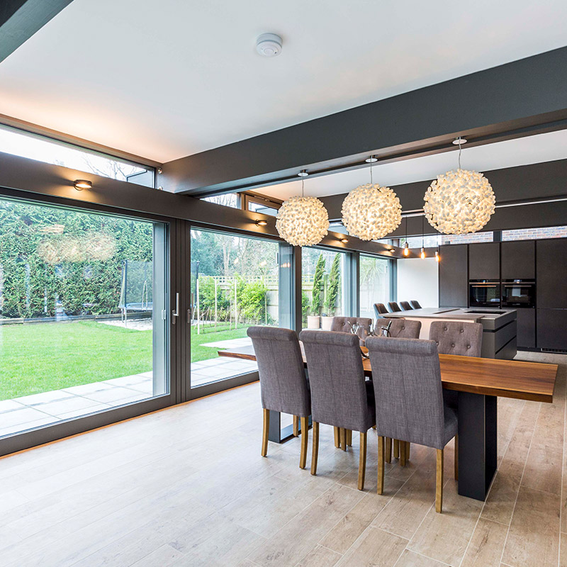 Leicht kitchen and dining room in Guildford house by Hubble