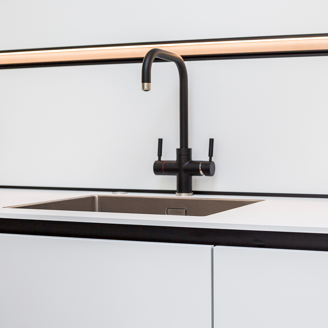 Monochrome Next125 kitchen sink design and fitting by Hubble