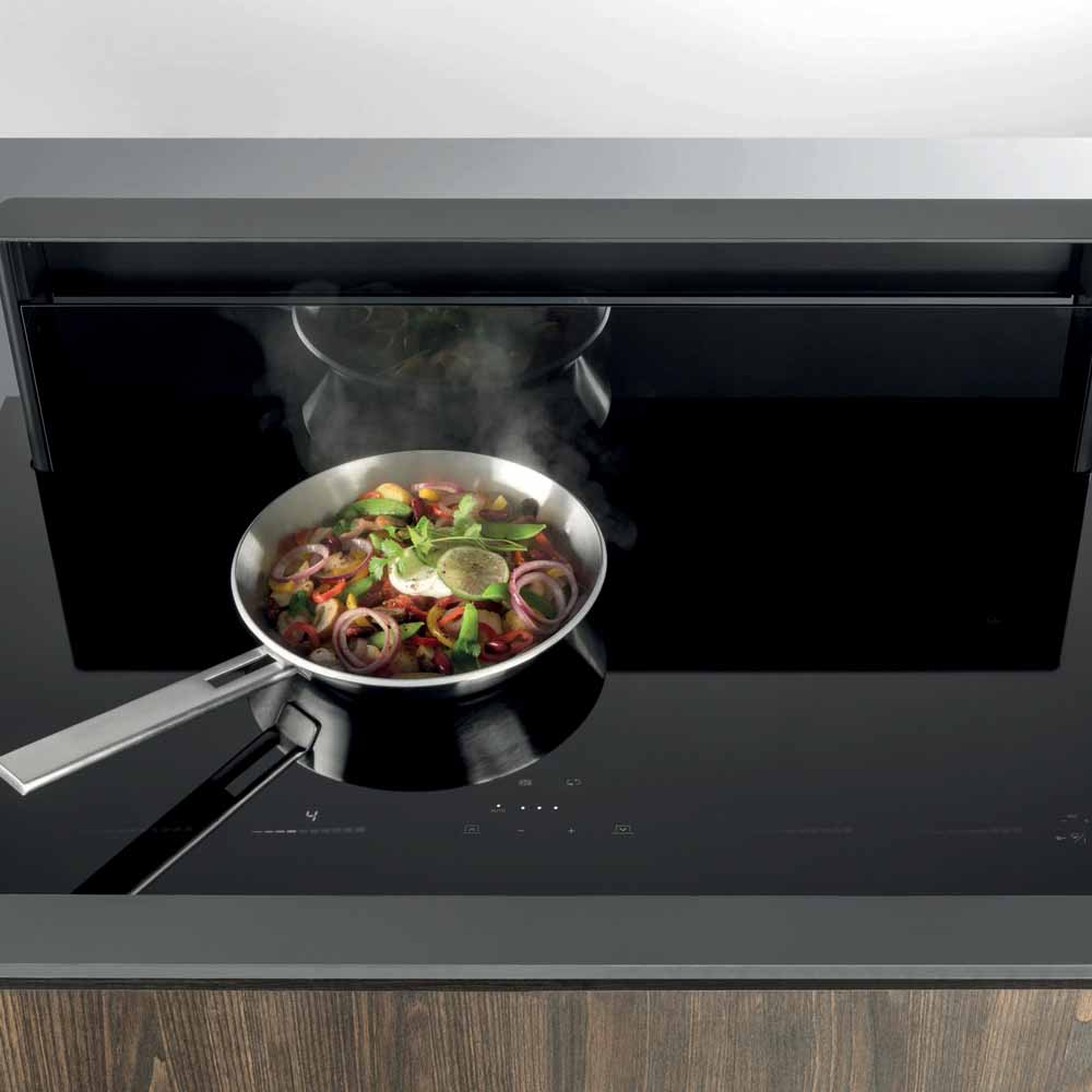 Novy Panoramic food pan in Hubble designer kitchen