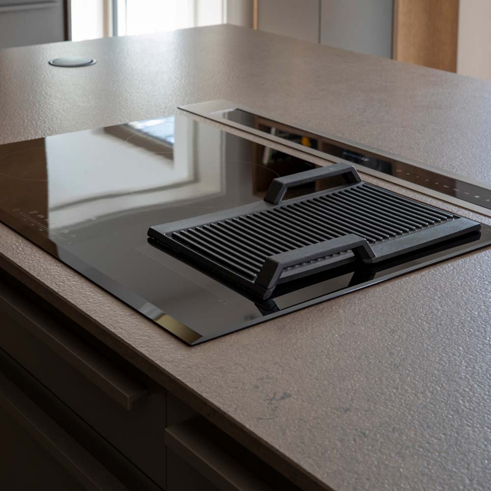 worktop extractor and hob in Hubble designer kitchen